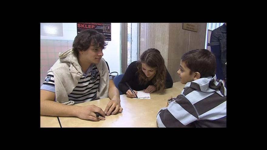 Video Rozhovor s herci z pohádky Šťastný smolař na autogramiádě v Brně