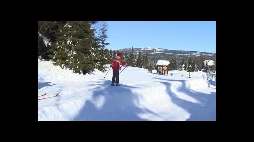 Video Sezona pro lyžaře i běžkaře začíná