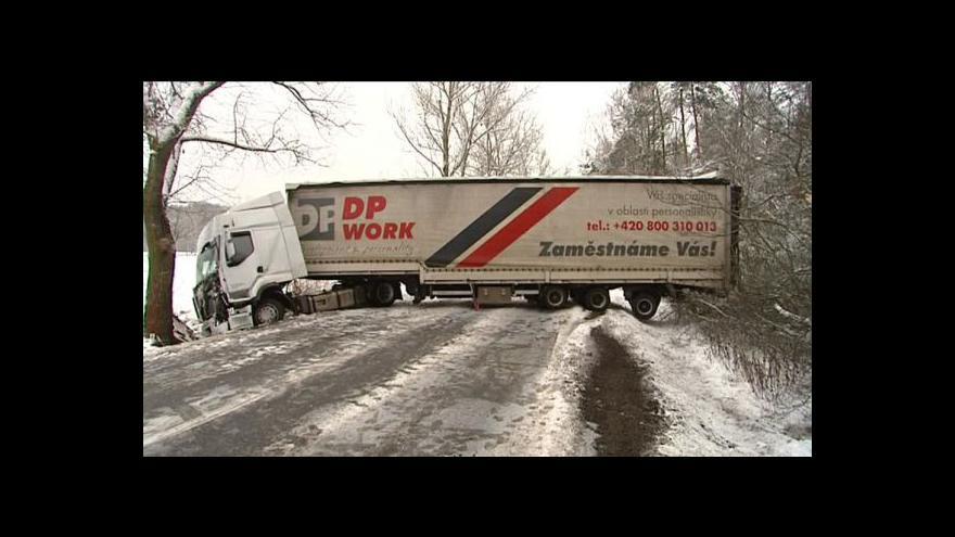 Video Dopravní komplikace kvůli počasí