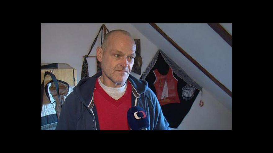 Video Padesátiletý Roman hovoří o své závislosti na drogách