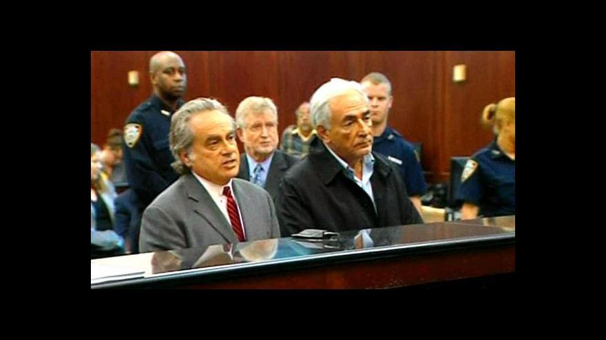 Video Strauss-Kahn se s pokojskou nedohodl