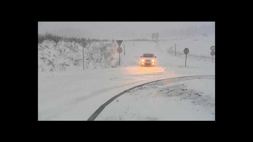 Video Sněhová kalamita zasáhla severozápad Čech