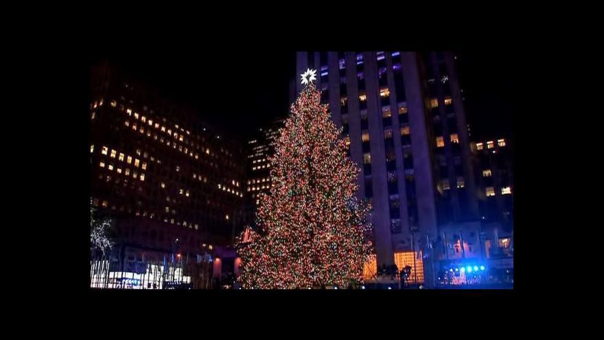 Video Rozsvícení vánočního stromu v New Yorku