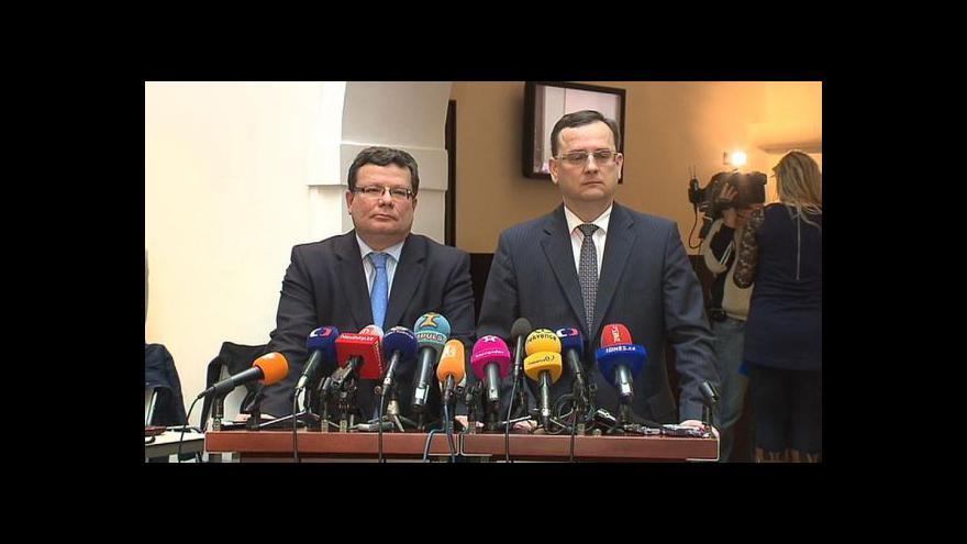Video Brífink premiéra a ministra obrany