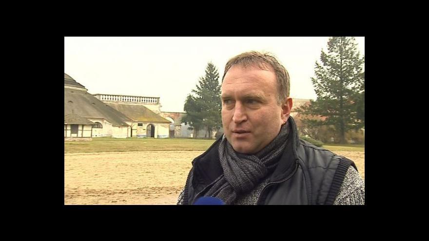 Video Luděk Mikulecký popisuje úskalí obnovy Nového Dvora