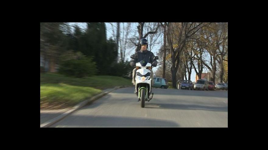 Video Starosta Patrik Kamas o nových skútrech
