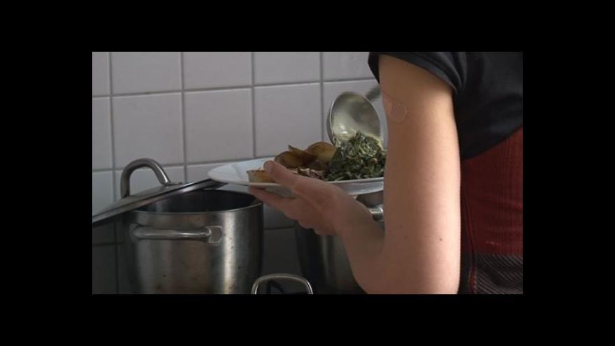 Video NO COMMENT: Společný oběd české a tuniské rodiny