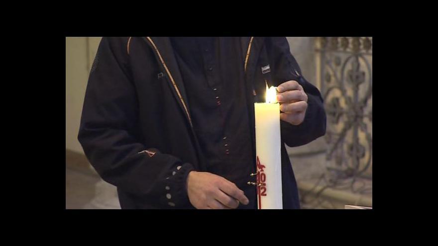 Video NO COMMENT: Bohoslužba za oběti tragické nehody v Chorvatsku