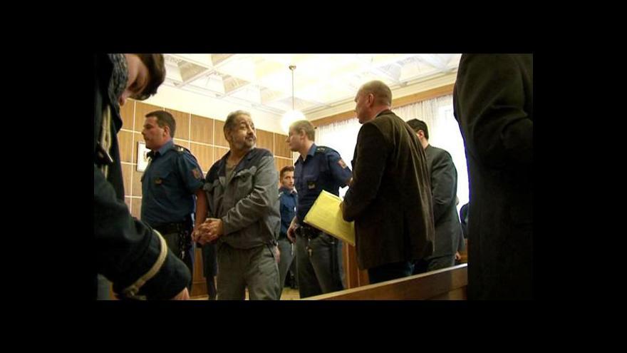Video Vstup Ondřeje Schneidera od soudu s Toflovým gangem