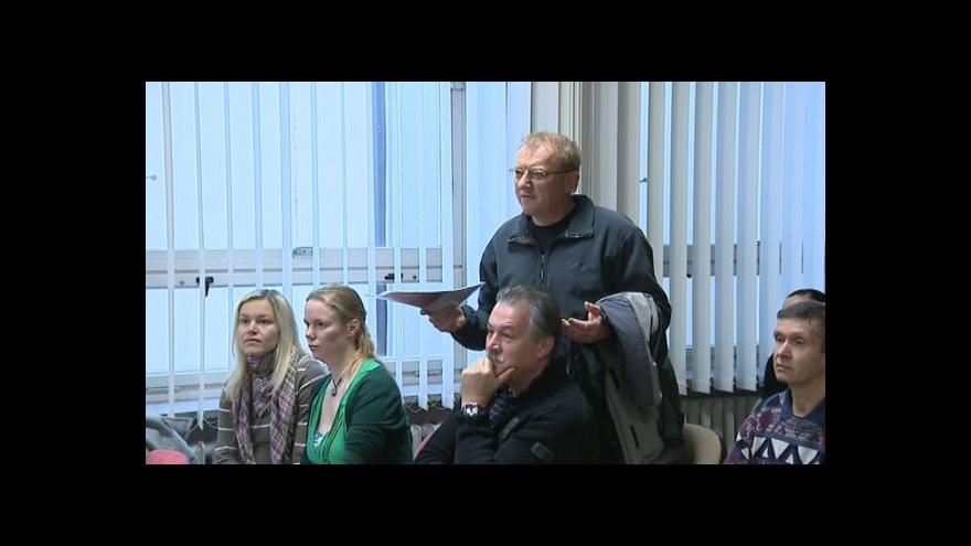 Video NO COMMENT: Veřejné projednávání bylo velmi bouřlivé