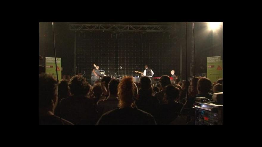 Video NO COMMENT: Koncert saxofonisty Macea Parkera v klubu Fléda