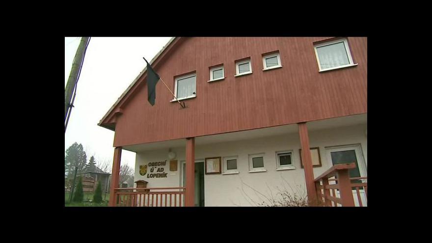 Video NO COMMENT: Pieta za oběti sobotní nehody v obci Lopeník