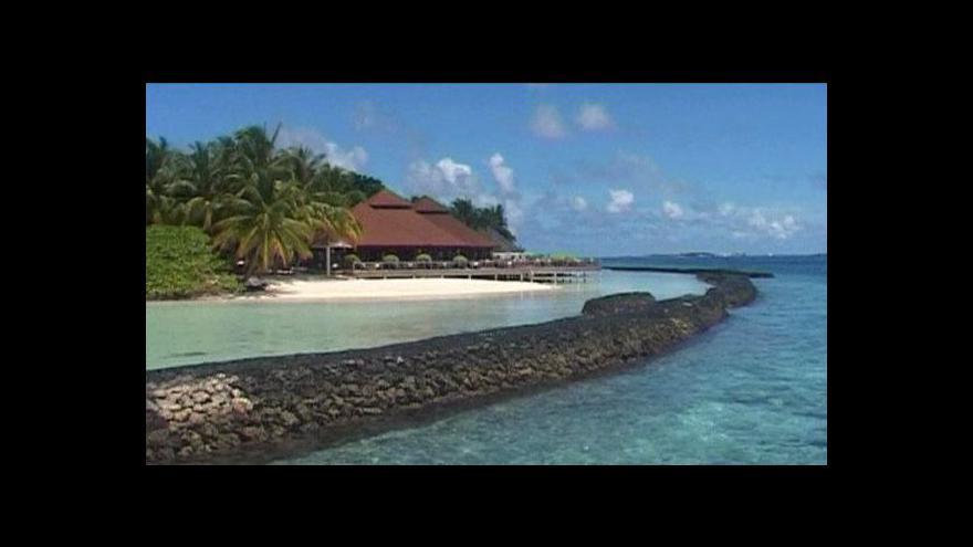 Video Maledivy hledají způsoby, jak se zachránit