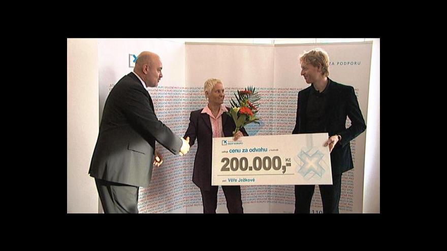 Video Protikorupční fond ocenil Věru Ježkovou