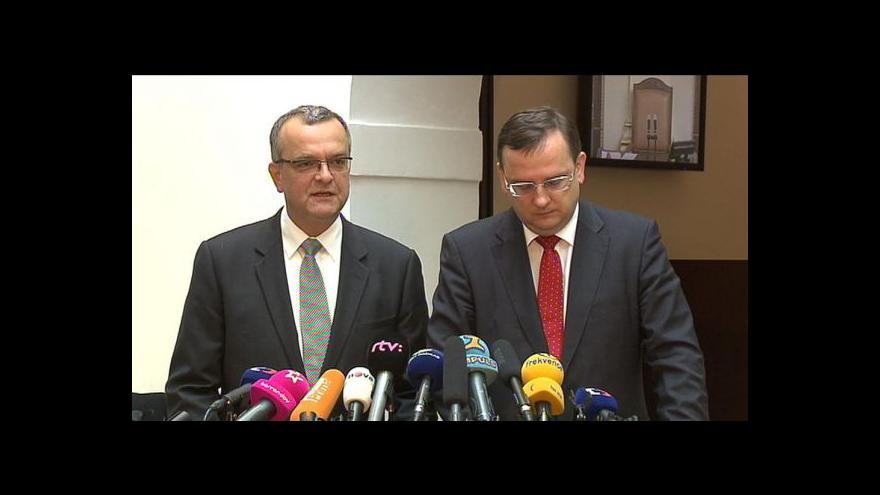 Video Brífink Petra Nečase a Miroslava Kalouska po schválení daňového balíčku