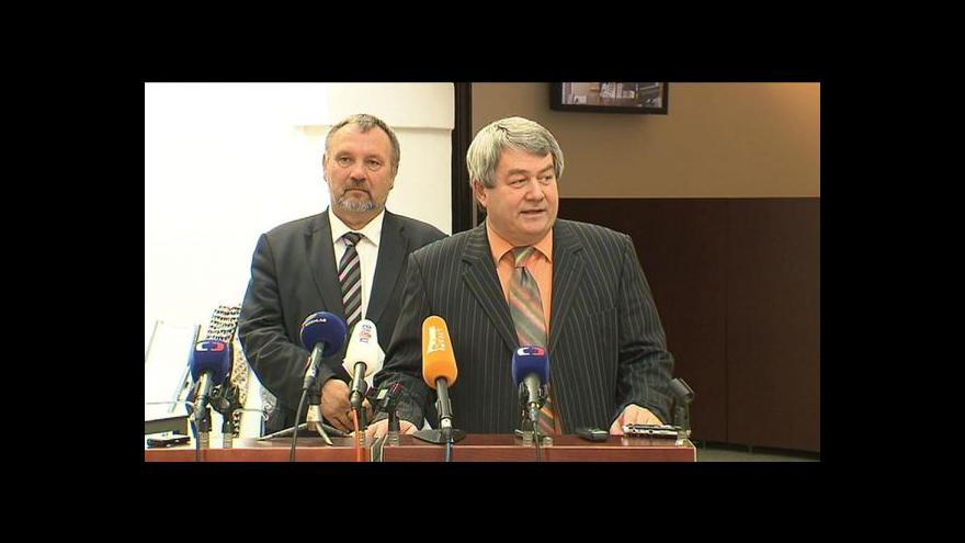 Video Brífink KSČM po jednání poslaneckého klubu