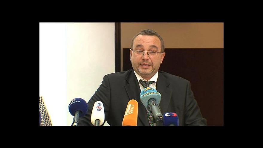 Video Brífink Josefa Dobeše o podpoře vládě