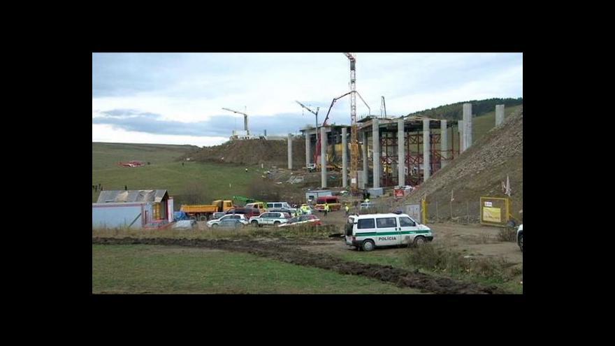 Video Na severovýchodě Slovenska se zřítil nedostavěný most