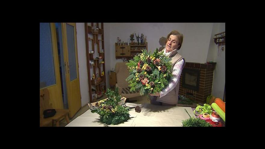 Video Anežka Benešíková ze Strání vyrábí věnce