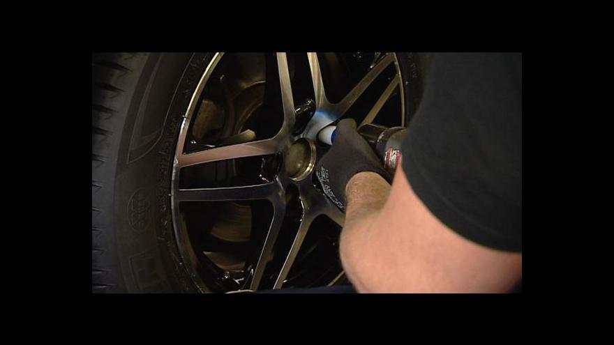 Video Policie začala kontrolovat zimní pneumatiky