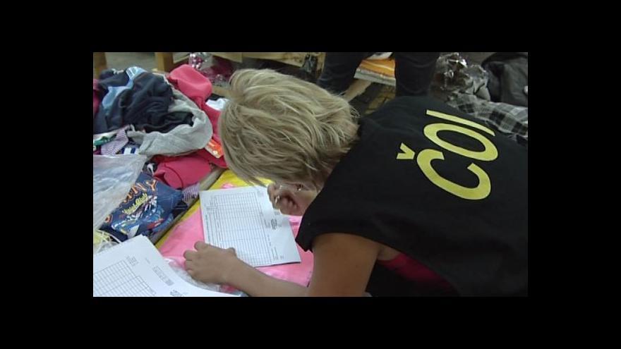 Video NO COMMENT: Kontrola ČOI v tržnici v Hatích