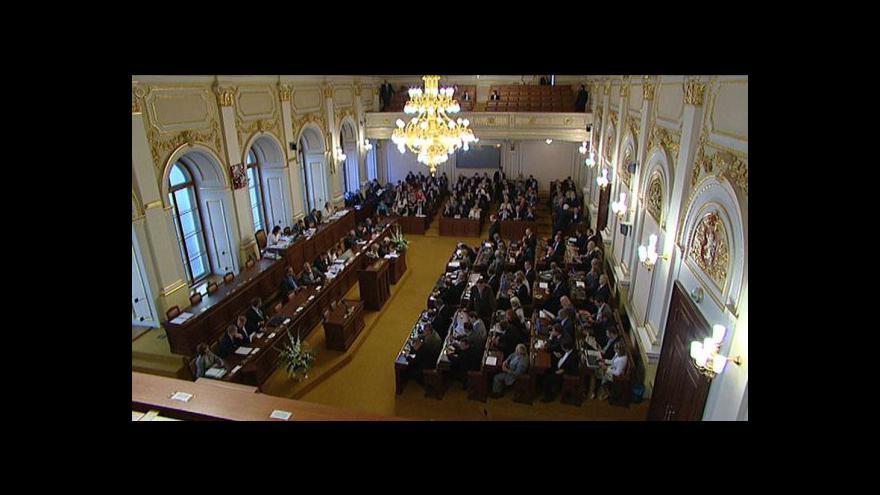Video Sněmovna projedná osudový daňový balíček