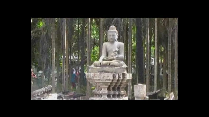 Video Muslimové vyplenili buddhistické chrámy