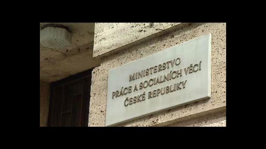 Video Telefonát mluvčích protikorupční policie a MPSV