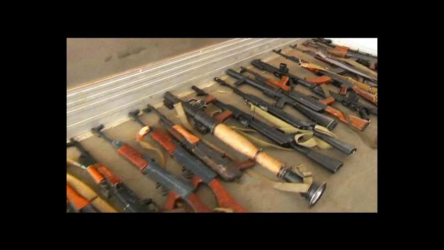 Video Libyjci odevzdávali zbraně