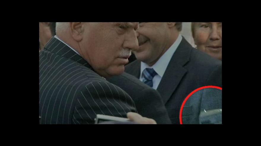 Video Události k útoku na prezidenta Klause