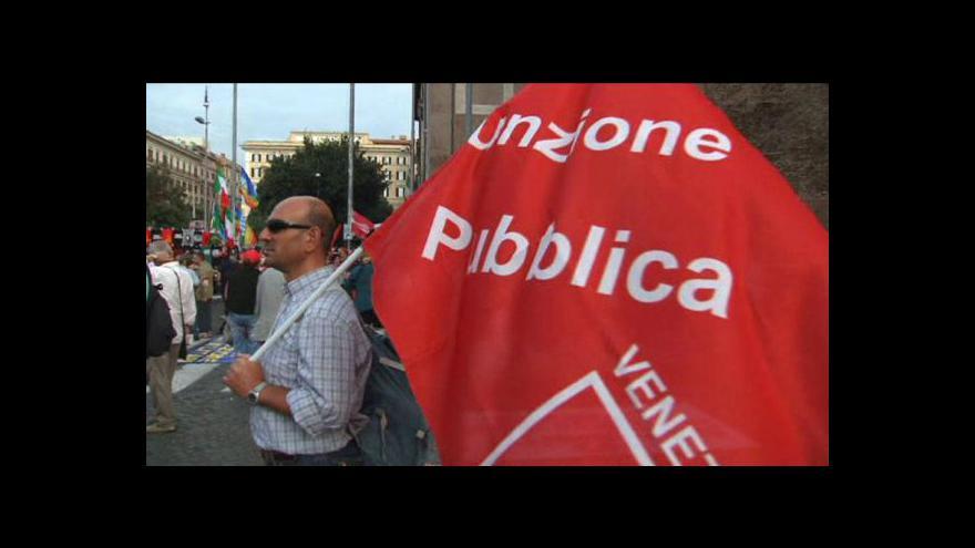 Video Italští zaměstnanci veřejného sektoru stávkují