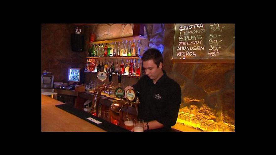 Video Tvrdý alkohol se vrací do obchodů a barů