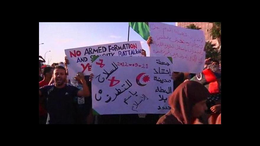 Video V Libyi hledají kladivo na ilegální milice