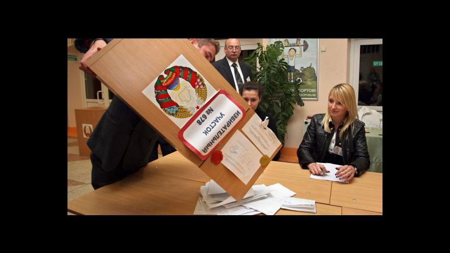 Video Bělorusové sčítají volební hlasy