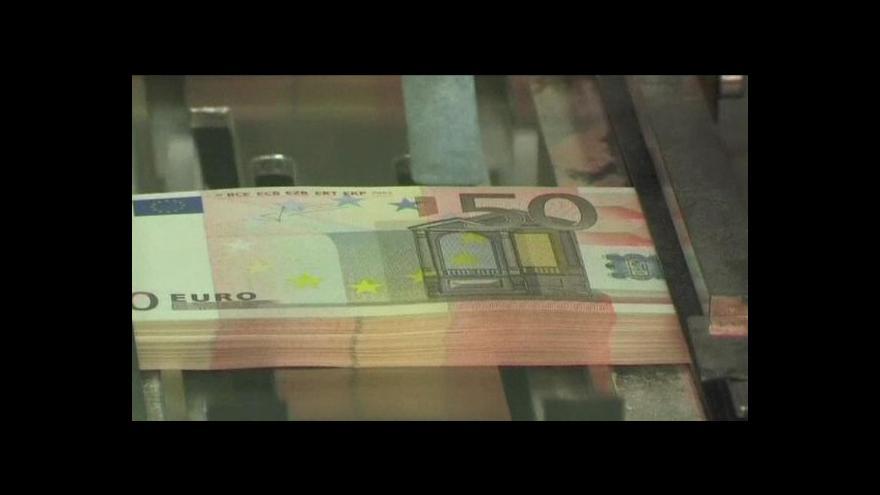 Video Eurozóna se připravuje na horší časy a zřejmě posilí euroval