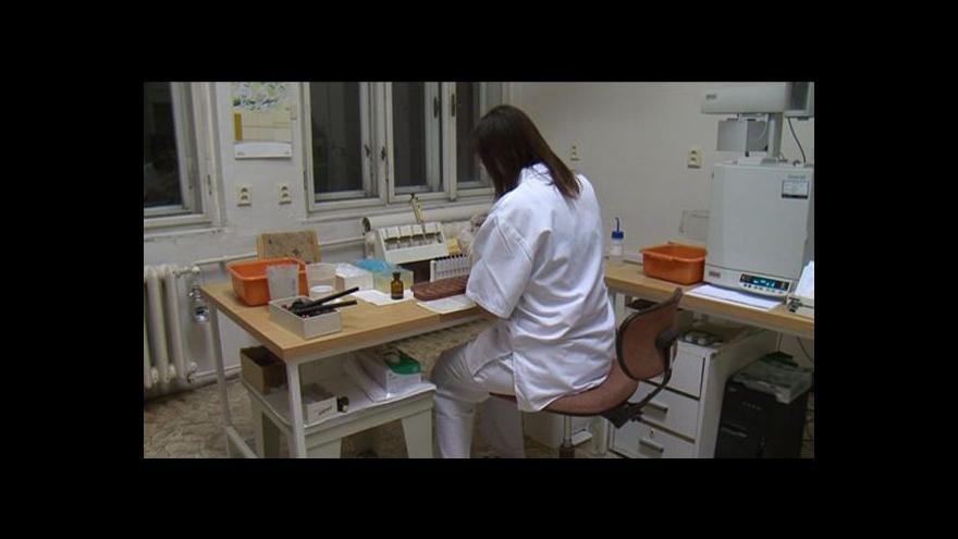Video Vědci vysvětlovali účinky metanolu
