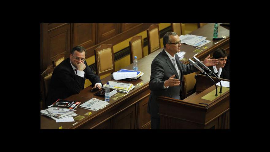 Video Sněmovna schválila stabilizační balíček