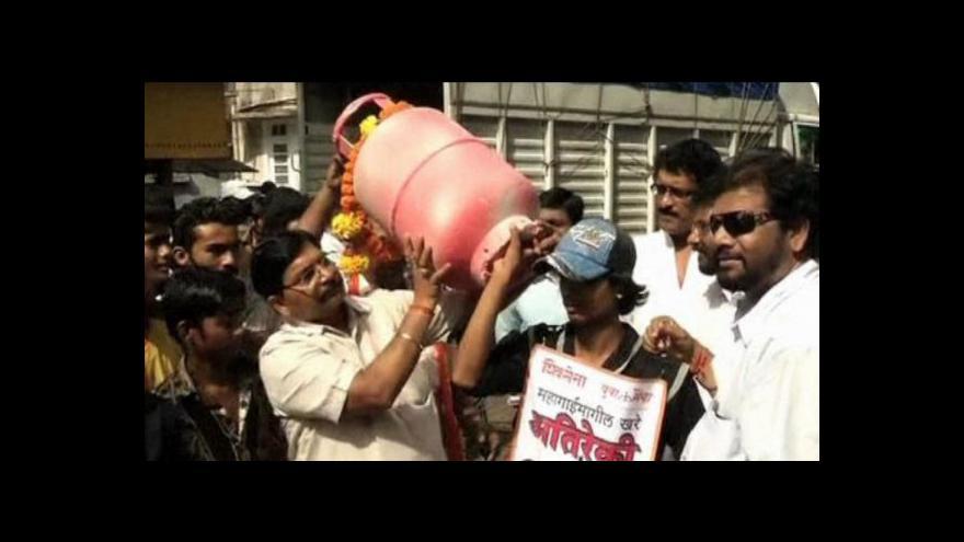 Video Indům se nelíbí zdražování dieslu a propanbutanu