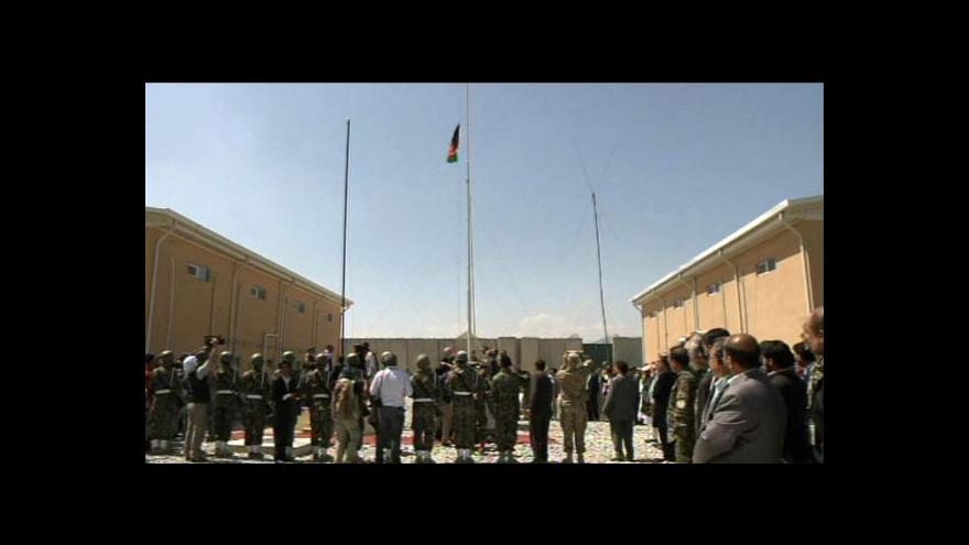 Video USA předaly Afgháncům správu Bagrámu