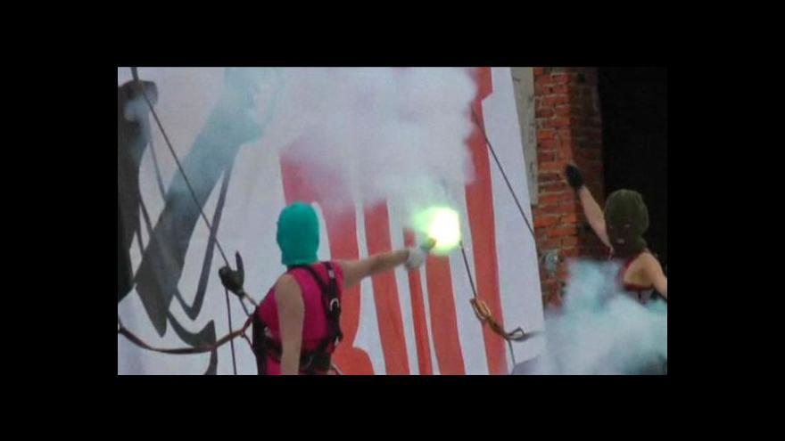 Video Za Pussy Riot se postavil i Lech Wałęsa