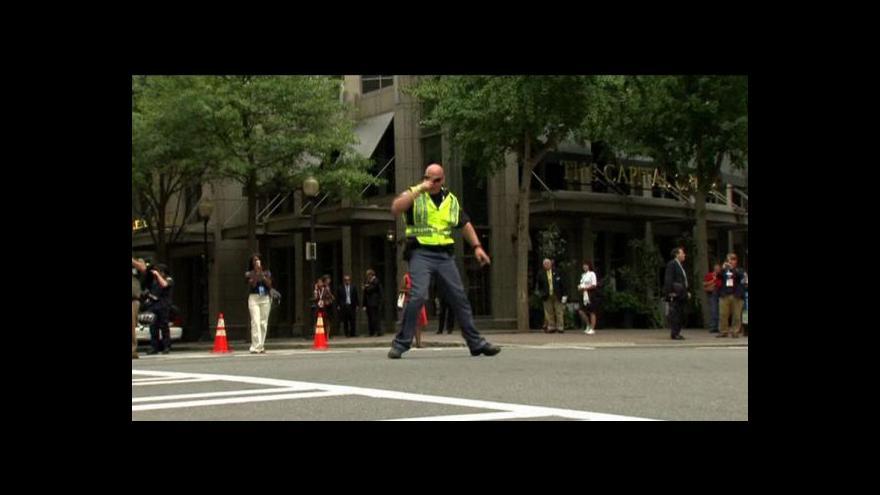 Video Tančící policista