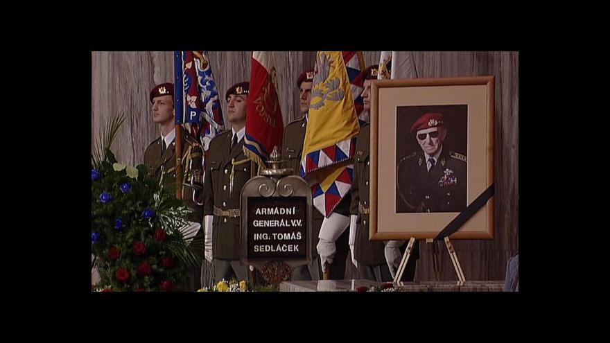Video Smuteční rozloučení s generálem Sedláčkem