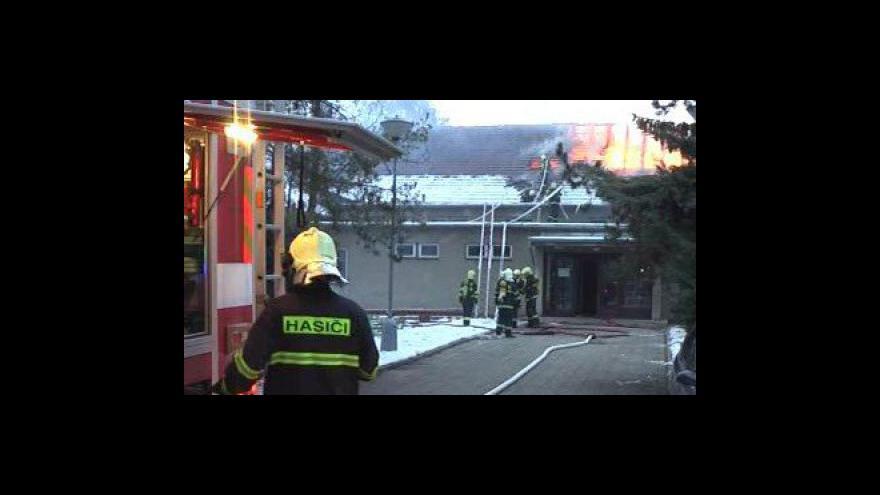 Video Požár sokolovny v Brně - Starém Lískovci