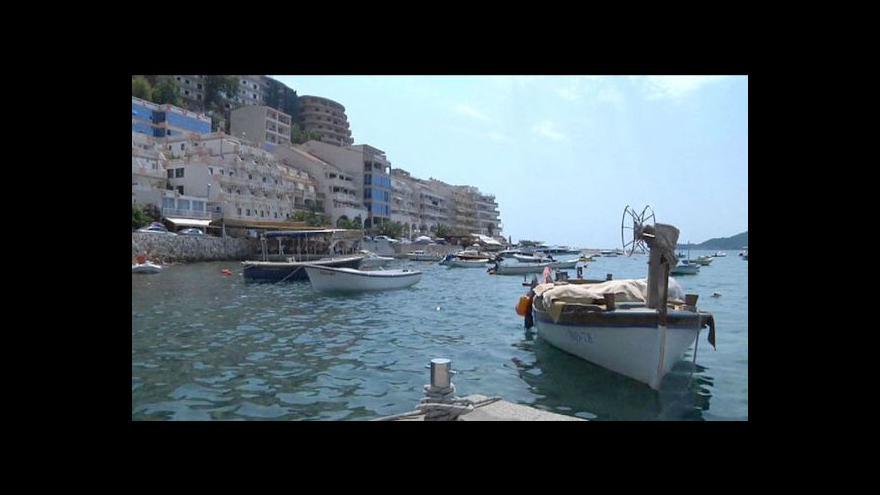 Video Černá Hora chce lákat bohaté turisty na soukromí i Bonda