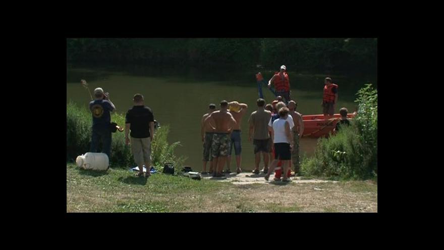 Video No comment: Příprava potápěčů na misi v Bosně