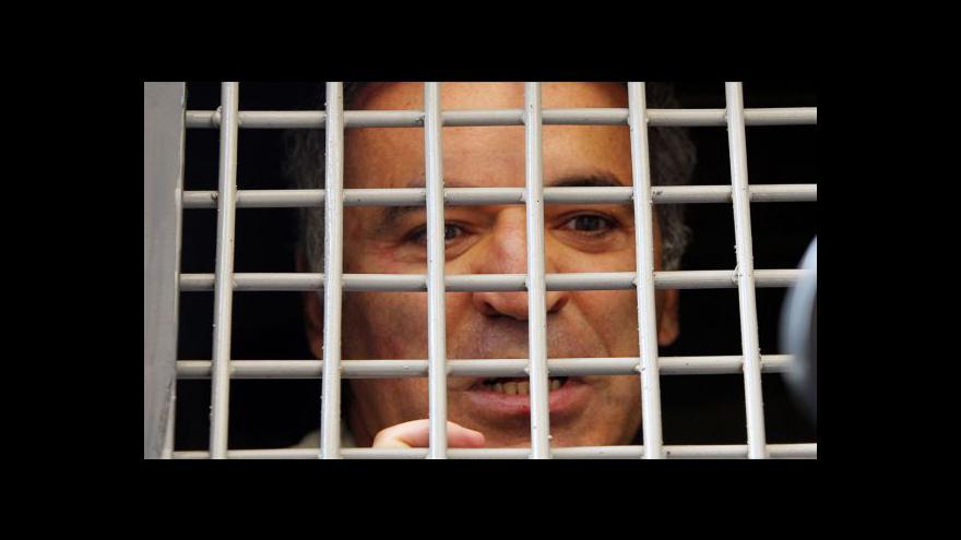 Video Kasparovovi hrozí soud