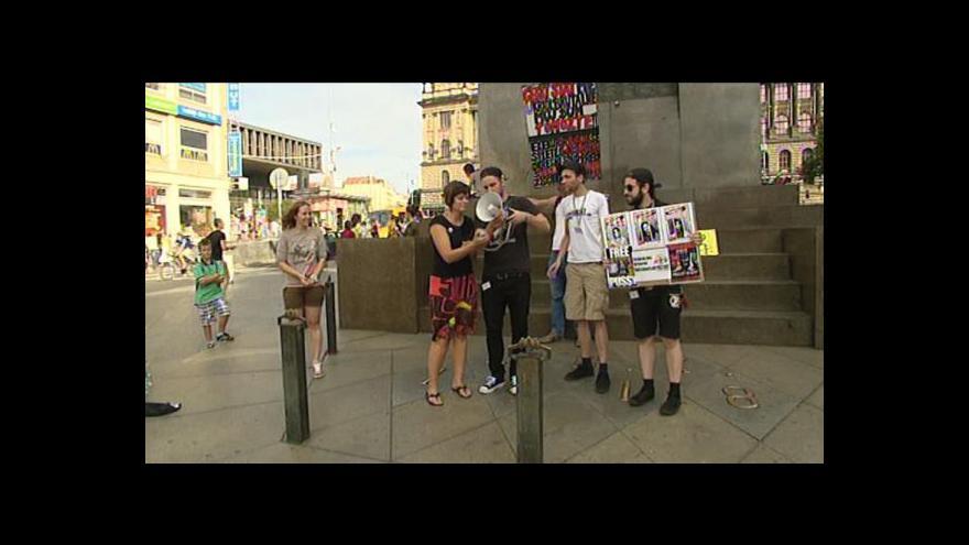 Video Lidé protestovali v Praze i v Plzni