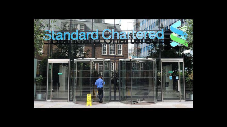 Video Standard Chartered prala íránské peníze