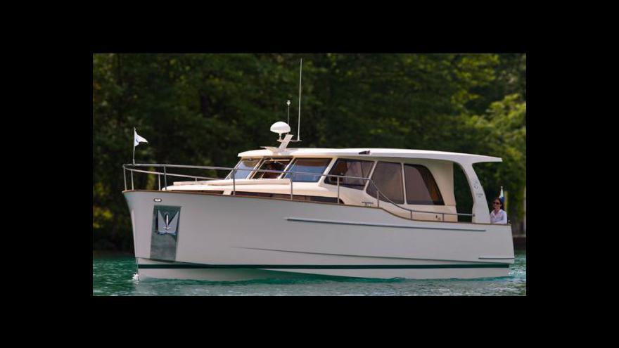 Video Hybridní loď