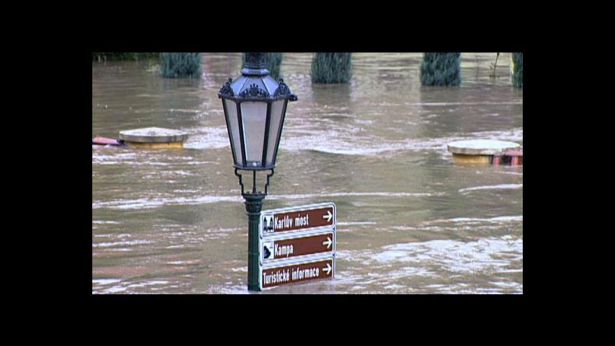 Video Povodně 2002 v Praze